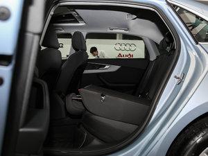 2017款Plus 40 TFSI 进取型 后排座椅放倒