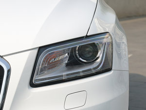 2017款40 TFSI 舒适型 头灯