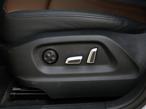 2017款40 TFSI 舒适型 座椅调节