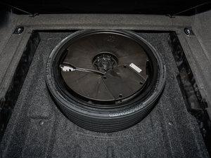 2017款40 TFSI 进取型 备胎