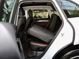 2017款40 TFSI 技术型 后排座椅放倒