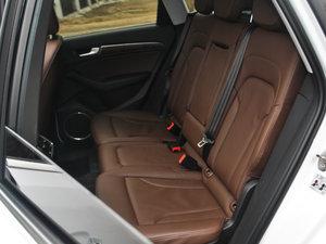 2017款40 TFSI 豪华型 后排座椅