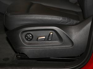 2017款40 TFSI 技术型 座椅调节