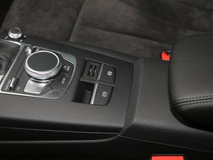 2017款40 TFSI 运动型 驻车制动器