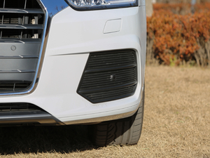 2017款40 TFSI quattro 全时四驱运动型 雾灯