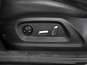 2017款40 TFSI quattro 全时四驱运动型 座椅调节