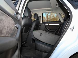 2017款40 TFSI quattro 全时四驱运动型 后排座椅放倒