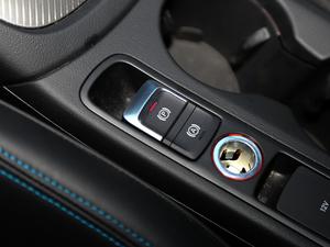 2017款40 TFSI quattro 全时四驱运动型 驻车制动器