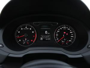 2017款40 TFSI quattro 全时四驱运动型 仪表