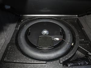 2017款40 TFSI quattro 全时四驱运动型 备胎