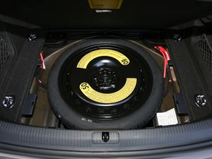 2018款30周年版 40 TFSI 时尚型 备胎