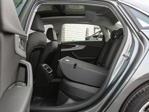 2018款30周年版 30 TFSI 进取型 后排座椅放倒