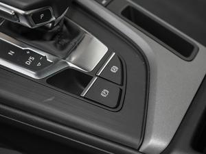 2018款30周年版 30 TFSI 进取型 驻车制动器
