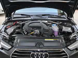 2018款30周年版 30 TFSI 进取型 发动机