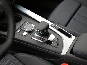2018款30周年版 45 TFSI quattro运动型 变速挡杆