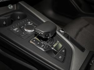 2018款30周年版 40 TFSI 进取型 变速挡杆