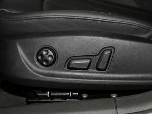 2018款30周年版 40 TFSI 运动型 座椅调节