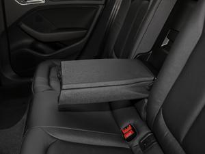 2018款30周年版 Limousine 35 TFSI风尚型 后排中央扶手