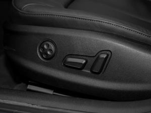2018款30周年版 Limousine 35 TFSI风尚型 座椅调节
