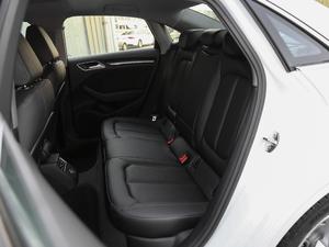 2018款30周年版 Limousine 35 TFSI风尚型 后排座椅
