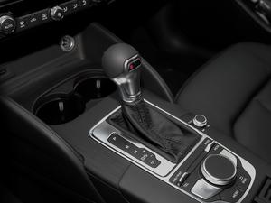 2018款30周年版 Limousine 35 TFSI风尚型 变速挡杆