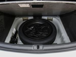 2018款30周年版 Limousine 35 TFSI风尚型 备胎