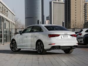 2018款30周年版 Limousine 40 TFSI运动型 后侧45度
