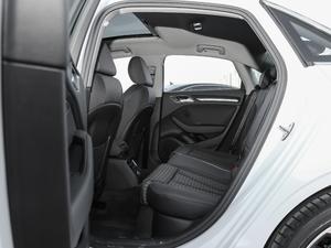 2018款30周年版 Limousine 40 TFSI运动型 后排空间