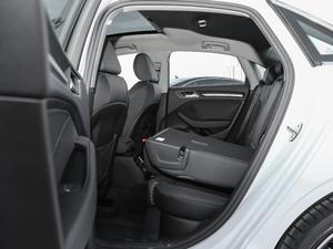 2018款30周年版 Limousine 40 TFSI运动型 后排座椅放倒