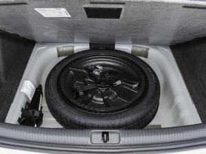 2018款30周年版 Limousine 40 TFSI运动型 备胎