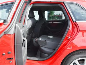 2018款30周年版 Sportback 35 TFSI进取型 后排座椅放倒