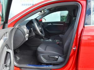 2018款30周年版 Sportback 35 TFSI进取型 前排空间