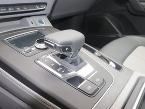 2018款45 TFSI 尊享风雅型 变速挡杆