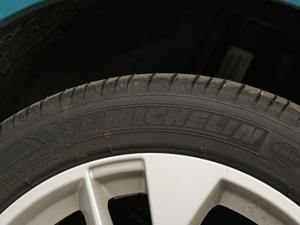 2019款35TFSI 豪华致雅型 轮胎品牌