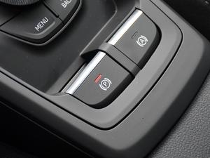 2019款35TFSI 上市专享版 驻车制动器