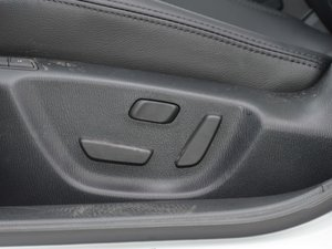 2017款2.5L 蓝天运动版 座椅调节