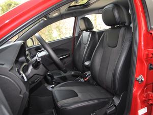 2018款1.5L 自动豪华版 前排座椅