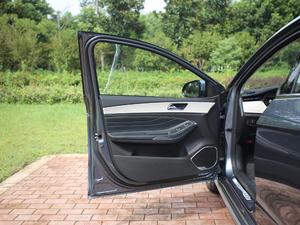 2018款1.5T CVT睿色版 驾驶位车门