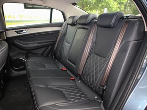 2018款1.5T CVT睿色版 后排座椅