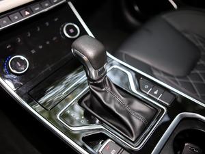 2018款1.5T CVT睿色版 变速挡杆