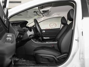 2018款1.5T CVT型色版 前排空间