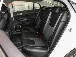 2018款1.5T CVT型色版 后排座椅