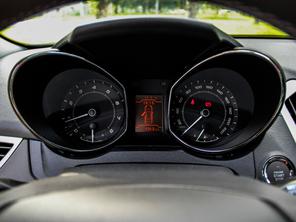 奇瑞汽车2015款艾瑞泽7