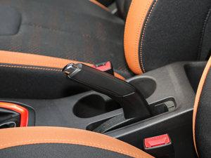 2017款1.5L 手动都市版 驻车制动器