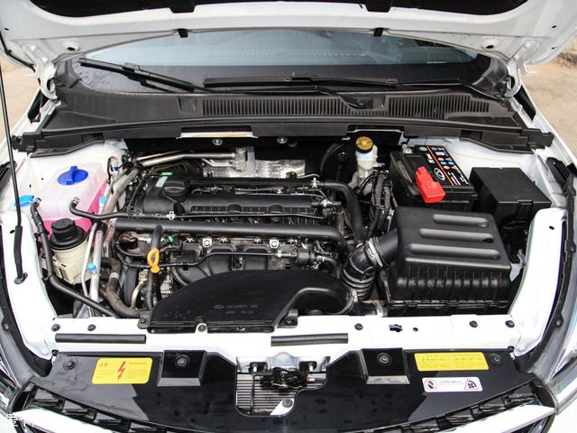 动力上提供了1.5L和1.5T共两款发动机可选,其中1.5L自然吸气发动机最大功率85kW(116Ps),最大扭矩141Nm。