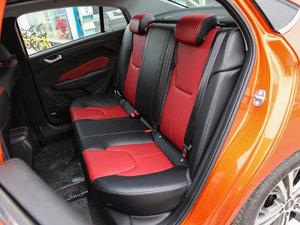 2017款1.5L CVT尊贵版 后排座椅
