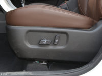 空间座椅陆风X5 plus座椅调节