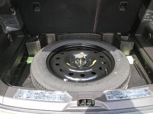 2016款2.0T 自动全景旗舰版 备胎