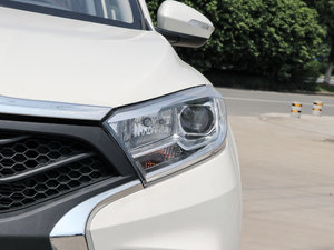 2017款1.6L 自动铂锐版 头灯