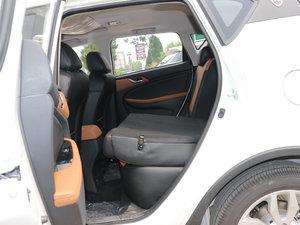 2017款1.6L 自动铂锐版 后排座椅放倒